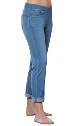 Model wearing PajamaJeans - Boyfriend Bermuda Wash image number 0