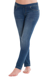 Model wearing PajamaJeans - Skinny Vintage Wash image number 0