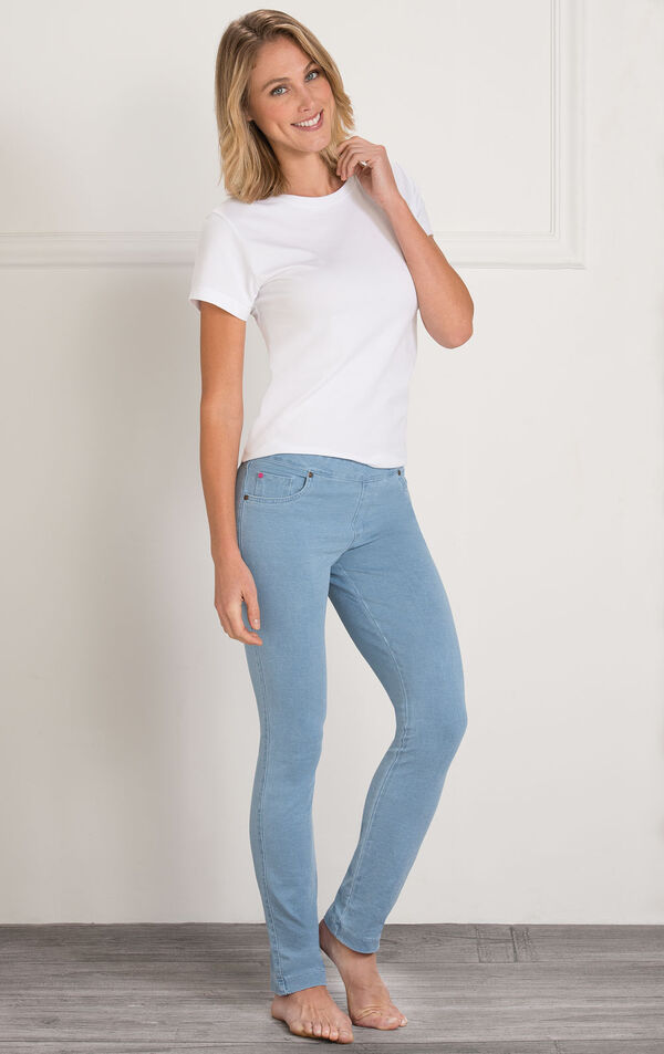Model wearing Skinny Clearwater Wash PajamaJeans paired with a white t-shirt. image number 2