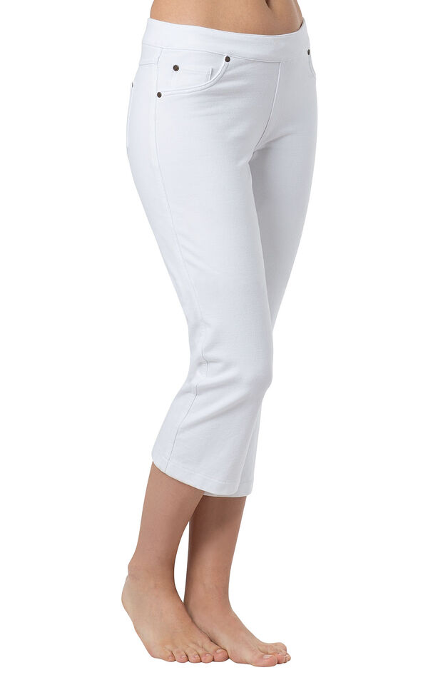 Model wearing PajamaJeans Capris - White image number 2