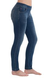Model wearing PajamaJeans - Skinny Vintage Wash, facing to the side image number 2